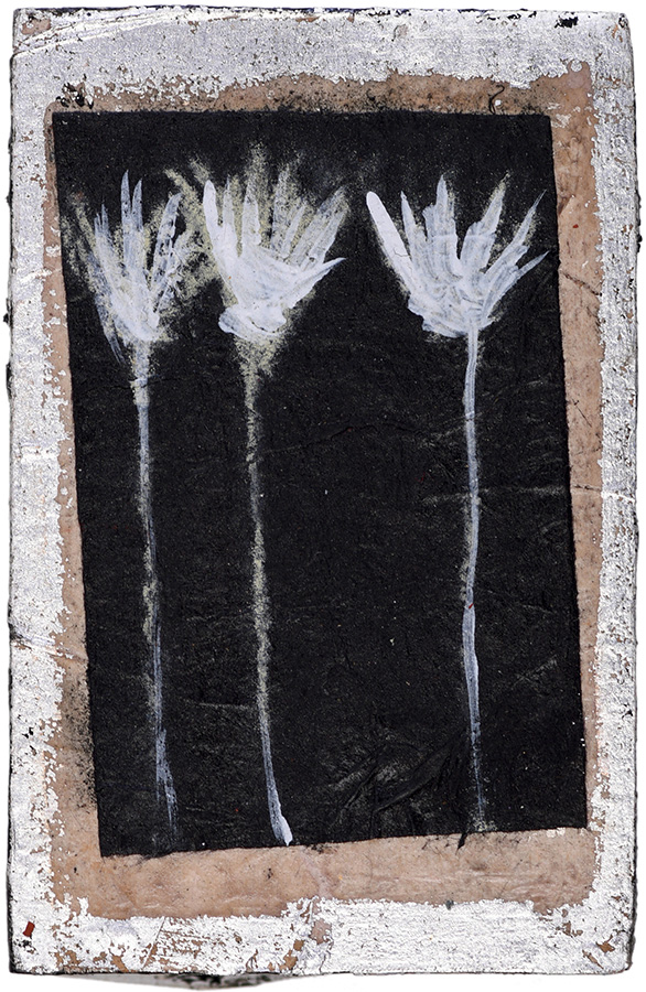 Art work, artist: Efimija Topolski, title of the work: Three flowers, 2018, medium: mixed media on wood, dimensions: 11,2 x 7,6 cm